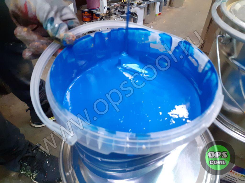 Готовим полиуретановую краску для станка.
