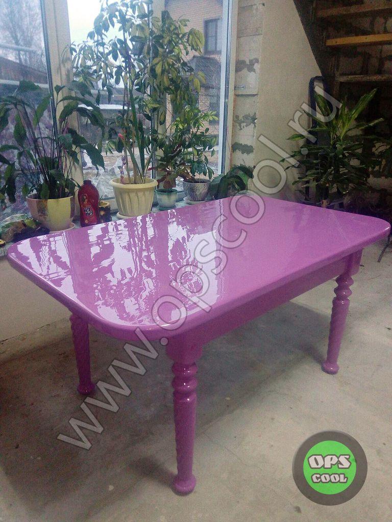 Деревянный стол покрашен автоэмалью