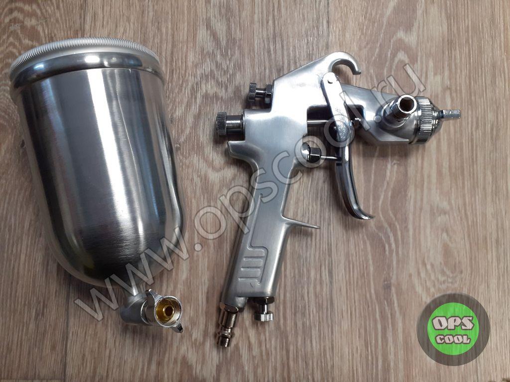 Окрасочный пистолет с боковым поворотным/боковым бачком